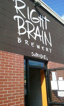 Right Brain Brewery: 20160824_170202_large.jpg