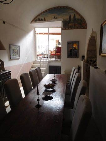 Ansouis, Francia: Dining room where we enjoyed a wonderful meal prepared with much love for 4 couples by S & M!