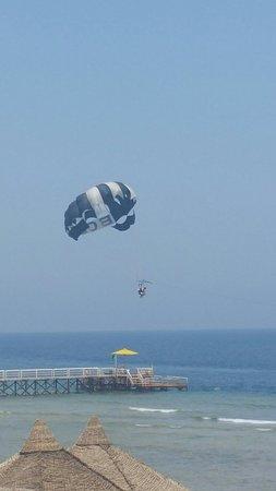 Sensimar Makadi Hotel: parasailing