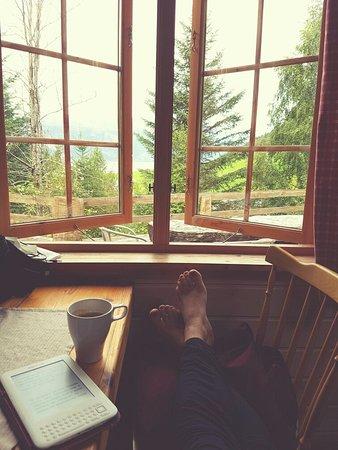 Sogn og Fjordane, Noruega: The view from the wooden cabin!