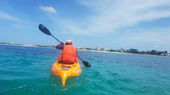 Coconut Reef Glass Bottom Canoes: Fantastic time with a fun tour guide