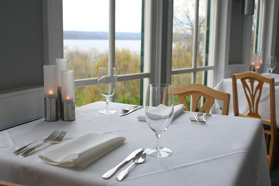 Trumansburg, État de New York : A special dinner for two?