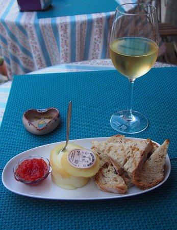 Lisbon District, Portugalia: Mercearia do Seculo: sheeps cheese with pimento jam