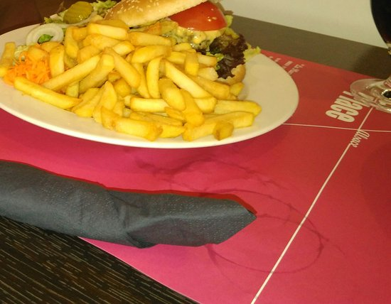 Roppenheim, Frankrig: Burger
