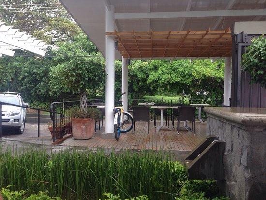 San Antonio De Belen, Costa Rica: Es Un lugar muy bonito y rico, sirven rápido La atención es buena Pero puede mejorar. Se aceptan