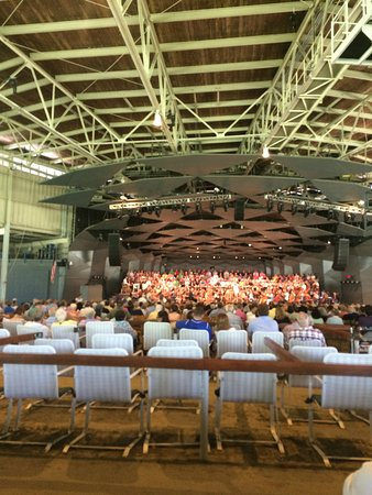 Tanglewood Boston Sympohny Orchestra In The Barn With Singers