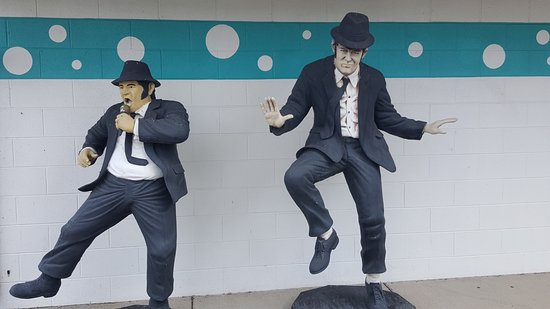 Blues Brothers - Picture of Polk-a-Dot Drive in, Braidwood