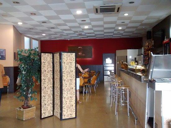 invención Destilar Baño  BAR: fotografía de Restaurant La Perla, Sant Sadurní d'Anoia - Tripadvisor