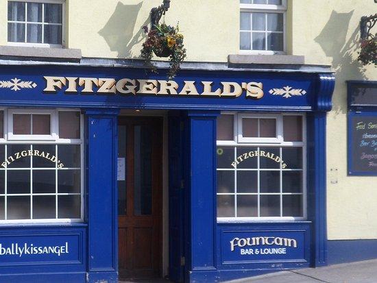Avoca, Irlanda: Front facade
