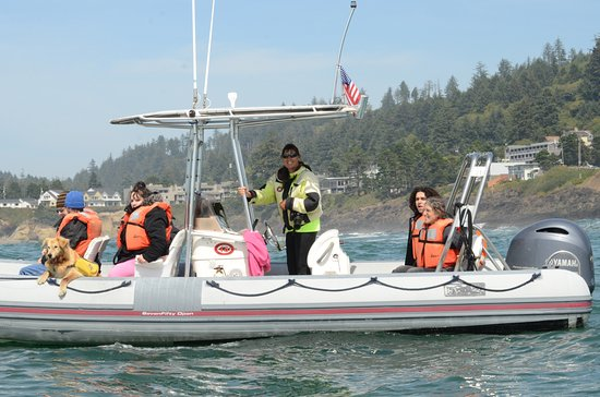 Depoe Bay, OR: Carrie Newell. Kida and their passengers