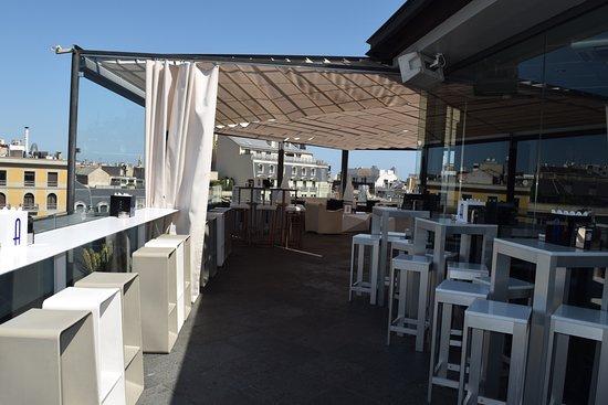 Condes De Barcelona: Outside Terrace Bar On 8th Floor