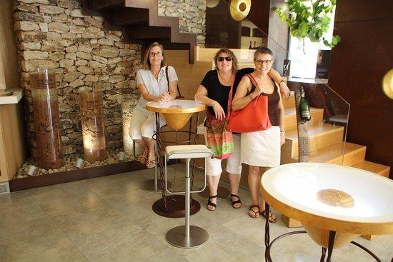 Sant Sadurní d'Anoia, España: TERESA, ROSER Y TERE