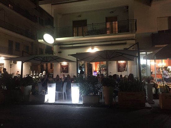 Giardini-Naxos, Italia: Salamone's