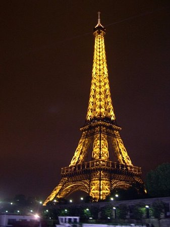 Tour eiffel at night picture of eiffel tower paris - Tour eiffel image ...