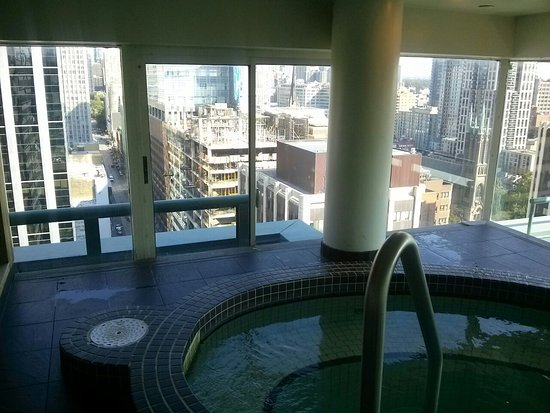 Cambridge Suites Toronto: Great location and view from fitness area.