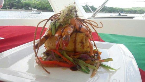 Brasilito, Costa Rica: Curvina rellena con camarones jumbo
