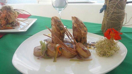 Brasilito, Costa Rica: Chiken breast stuff whit shrimp in passion frut sauce