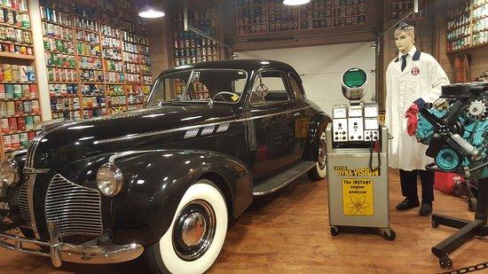 Pontiac-Oakland Automobile Museum: Garage