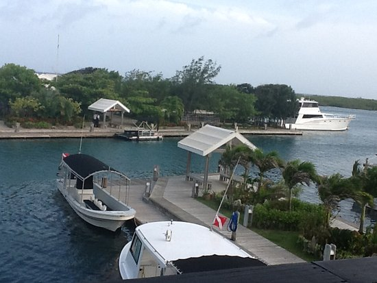 Barefoot Cay: View of our 10 second pontoon ride to the Cay from the loft