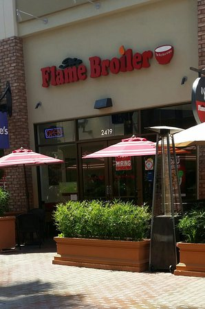 Tustin, Kaliforniya: The Flame Broiler
