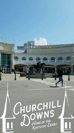Kentucky Derby Museum: Snapchat-1759088647628066151_large.jpg