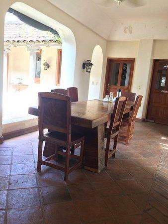 كازا دي كامبو بيداسي: One of the smaller dining areas around the Courtyard