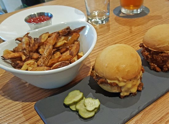 Fletcher, Carolina do Norte: Her Bison Sliders and Fries