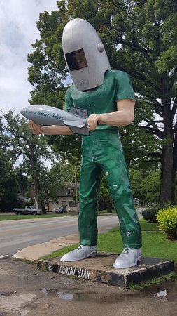 Wilmington, IL: The Gemini Giant