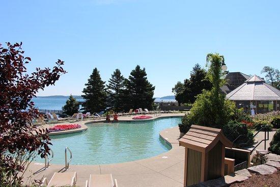 Potret Holiday Inn Bar Harbor Regency