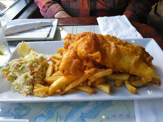 พอร์ตโคควิทแลม, แคนาดา: Fish & Chips (Cod)