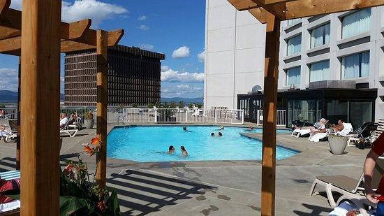 Hilton Quebec: 20160826_150754Hilton Québec pool_large.jpg