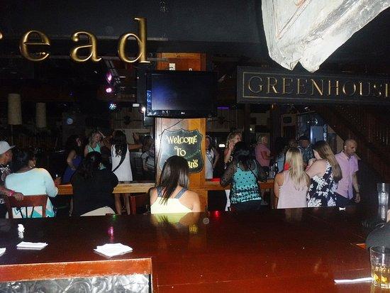 Club 812: Everyone having a good time.