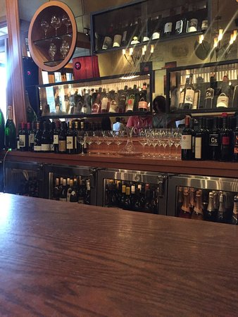 Cru - A Wine Bar : photo1.jpg