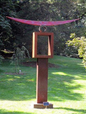 Summit, NJ: Reeves-Reed Arboretum sculpture