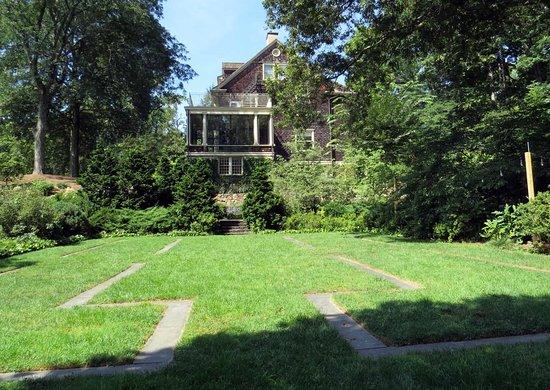 Summit, NJ: Reeves-Reed Arboretum