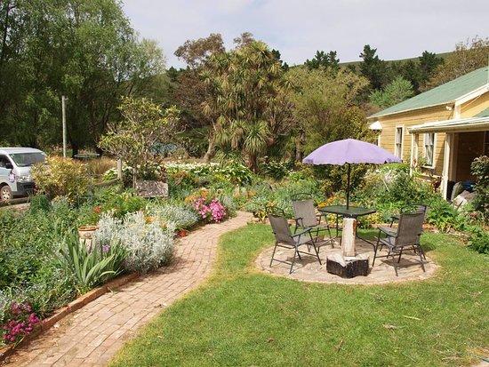 Akaroa, New Zealand: While on our Full Scenic Nature safari, enjoy the tranquil surrounding of Pohatu/Flea bay