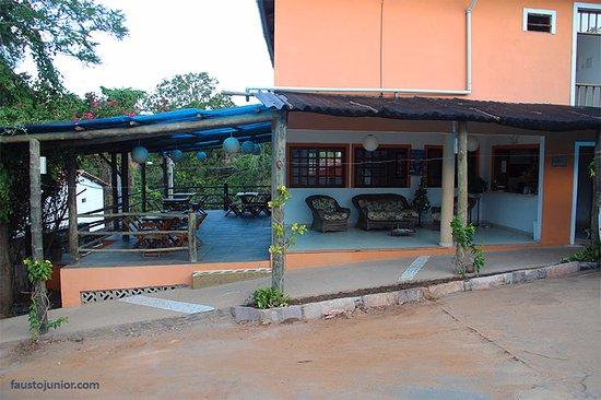 Pousada Bons Lencois: área de recepção e varanda