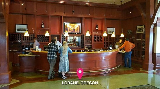 King Estate Winery: Wine tasting