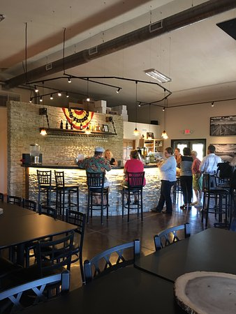 Seward, NE: Tasting Room