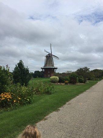 Windmill Island Gardens: photo2.jpg