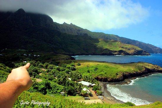 Ua Huka, Polinesia Francesa: Vue sur les bungalows de la colline