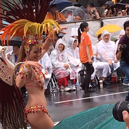 Taito, Japonia: 見る人もカッパ姿です。