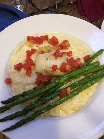 Elko, NV: One half portion of stuffed sole with asparagus - yummy