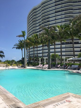 ‪‪The St. Regis Bal Harbour Resort‬: Tranquility Pool‬