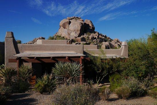 Boulders Resort & Spa, Curio Collection by Hilton: スタンドアローンカシータ