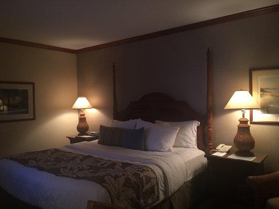 Irvington, VA: A glimpse inside the Tides Inn...