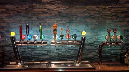 Fort Frances, Canadá: 14 craft beers on tap!