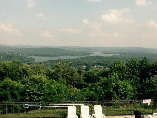 Озеро Дип-Крик, Мэриленд: View  of Deep Creek Lake from vacation rental house porch