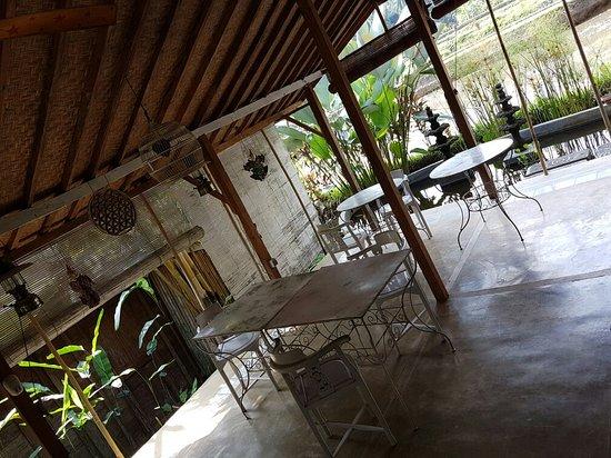 Hati Padi Cottages: 20160826_142649_large.jpg