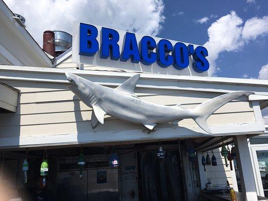 Bracco's Clam & Oyster Bar: photo0.jpg